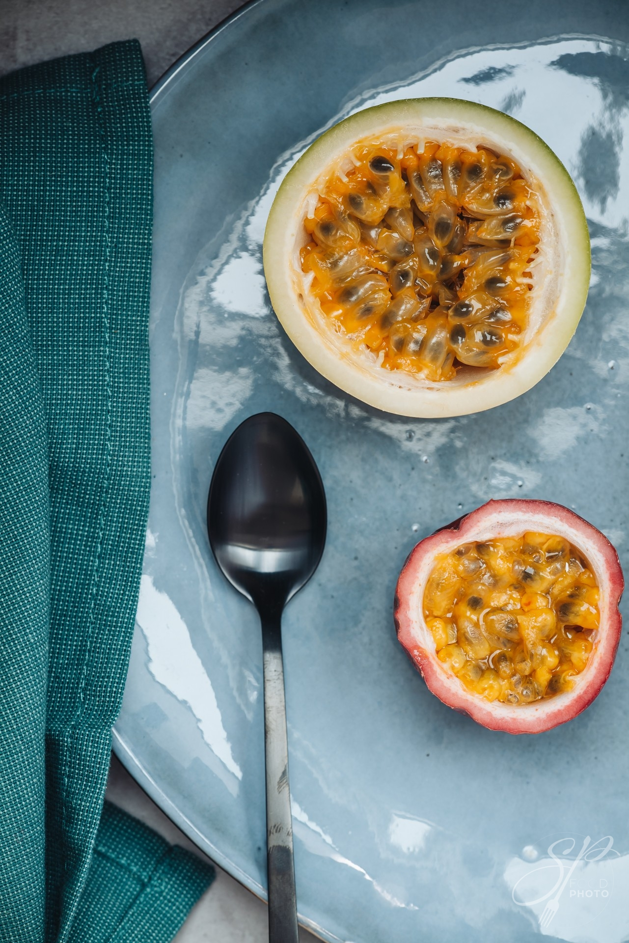 Fresh and juicy raw passion fruit and maracuja