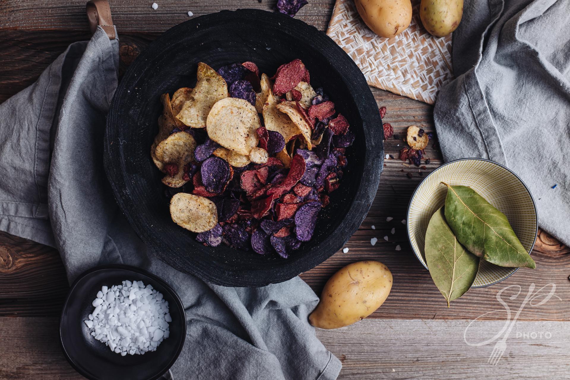 Colored crispy potato chips